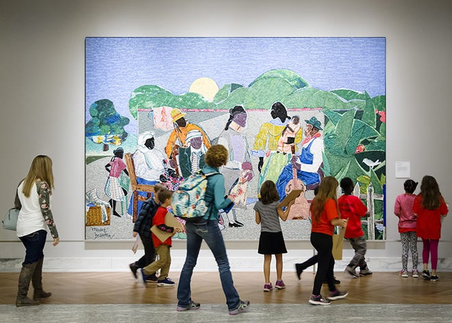 """""""Field trips spark students' imaginations, encourage discovery and allow students to step outside the familiar to experience a diversity of cultures and perspectives,"""" says Salvador Salort-Pons, DIA director."""