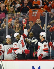 Oct 9, 2019; Philadelphia, PA, USA; New Jersey Devils right wing Wayne Simmonds (17) acknowledges the crowd during the first period against the Philadelphia Flyers at Wells Fargo Center. This was Simmonds first game back in Philadelphia after spending eight seasons there as a Flyer.