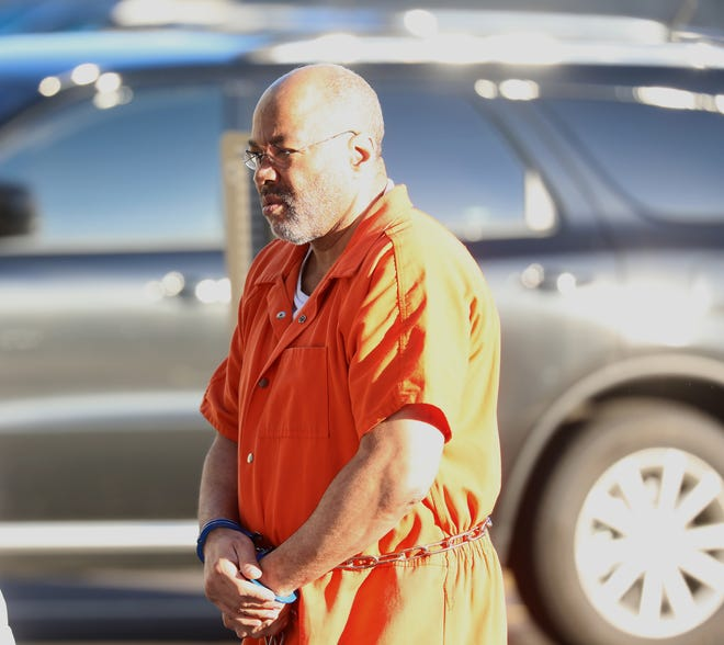 Richard Leon Wilbern entering federal court during trial.