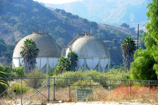 The owner of the former Petrochemical refinery site near Ventura is proposing a vehicle storage lot and equipment yard on 38 acres along Crooked Palm Road.