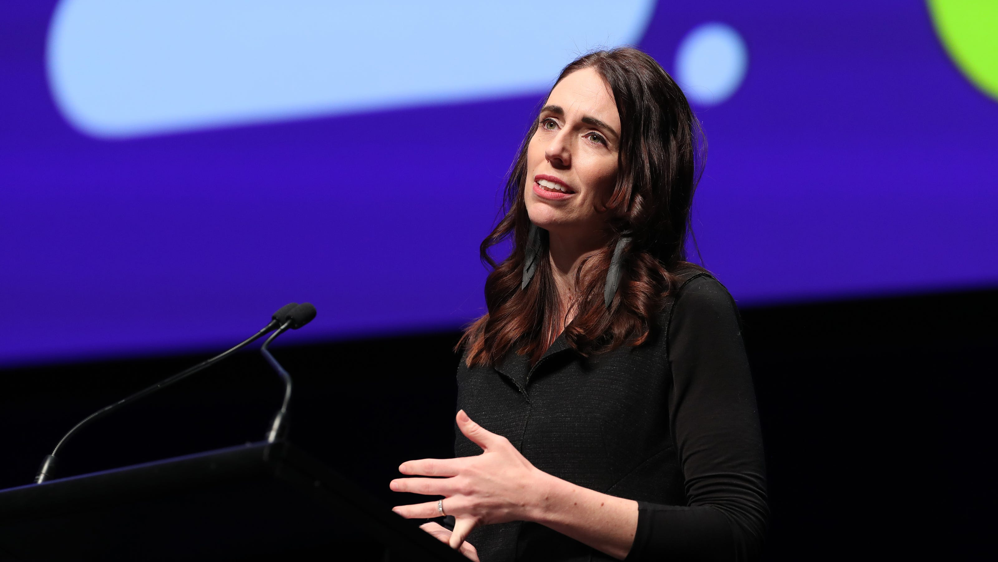 Jacinda Ardern set to win in New Zealands Covid election