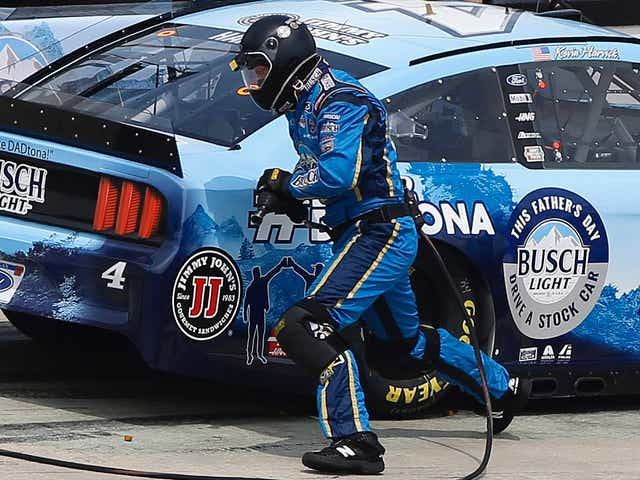 Inspiring Kevin Harvick tire changer back for final stretch of NASCAR playoffs