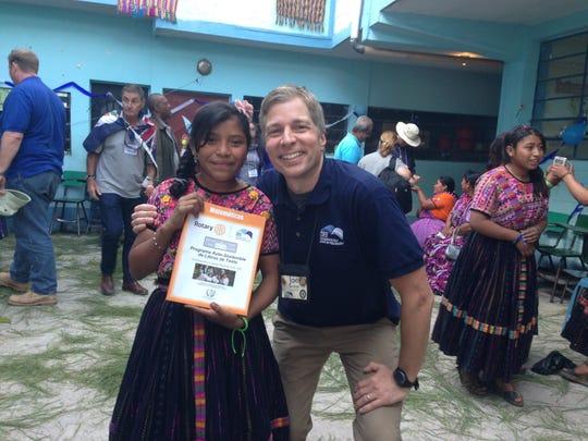 This Cincinnati man quit his job to help educate kids in Guatemala