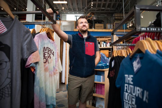 "RAYGUN, a Des Moines-based company known for their witty shirts, is attracting more and more Democratic presidential candidates. ""We know this is their photo op and they have to check some of these boxes,"" owner Mike Draper said. ""In a way, we're just like a slightly hipper bale of hay."""