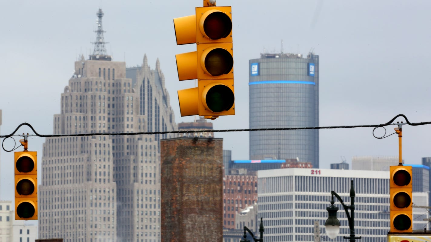 Lights turn green for traffic signal company that hired MDOT director
