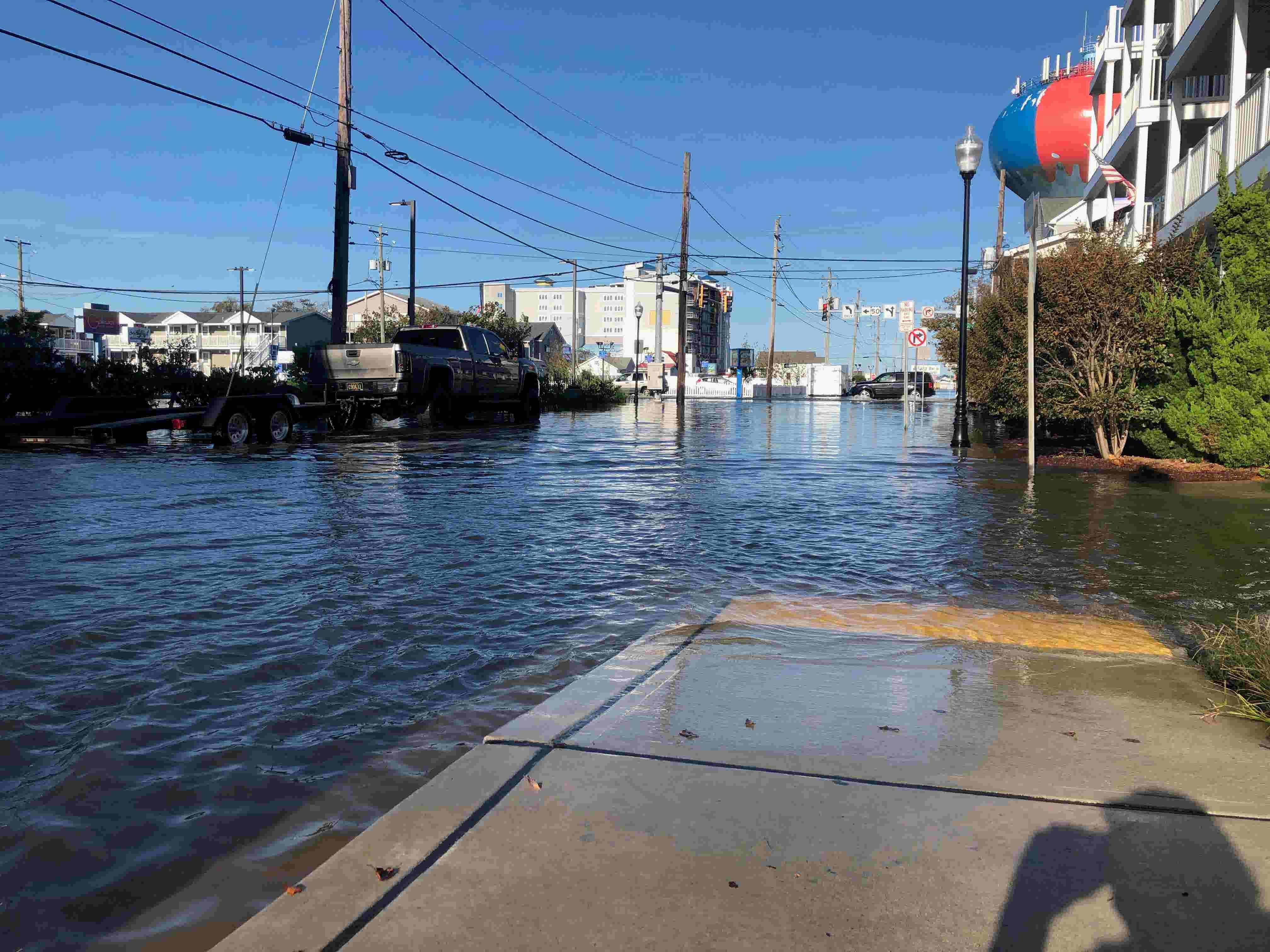 Coastal storm brings sunny day flooding to Delmarva through Friday night