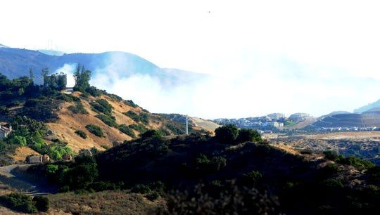 Ventura County braces for Saddleridge Fire should Santa Anas change direction