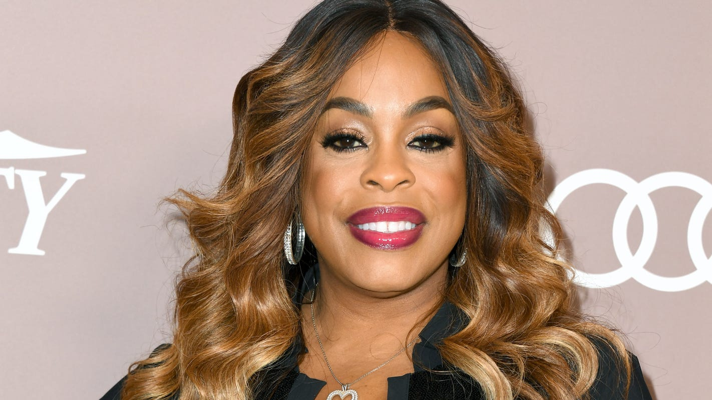 Surprise! Niecy Nash reveals wedding to singer Jessica Betts and shares photo with fans – USA TODAY