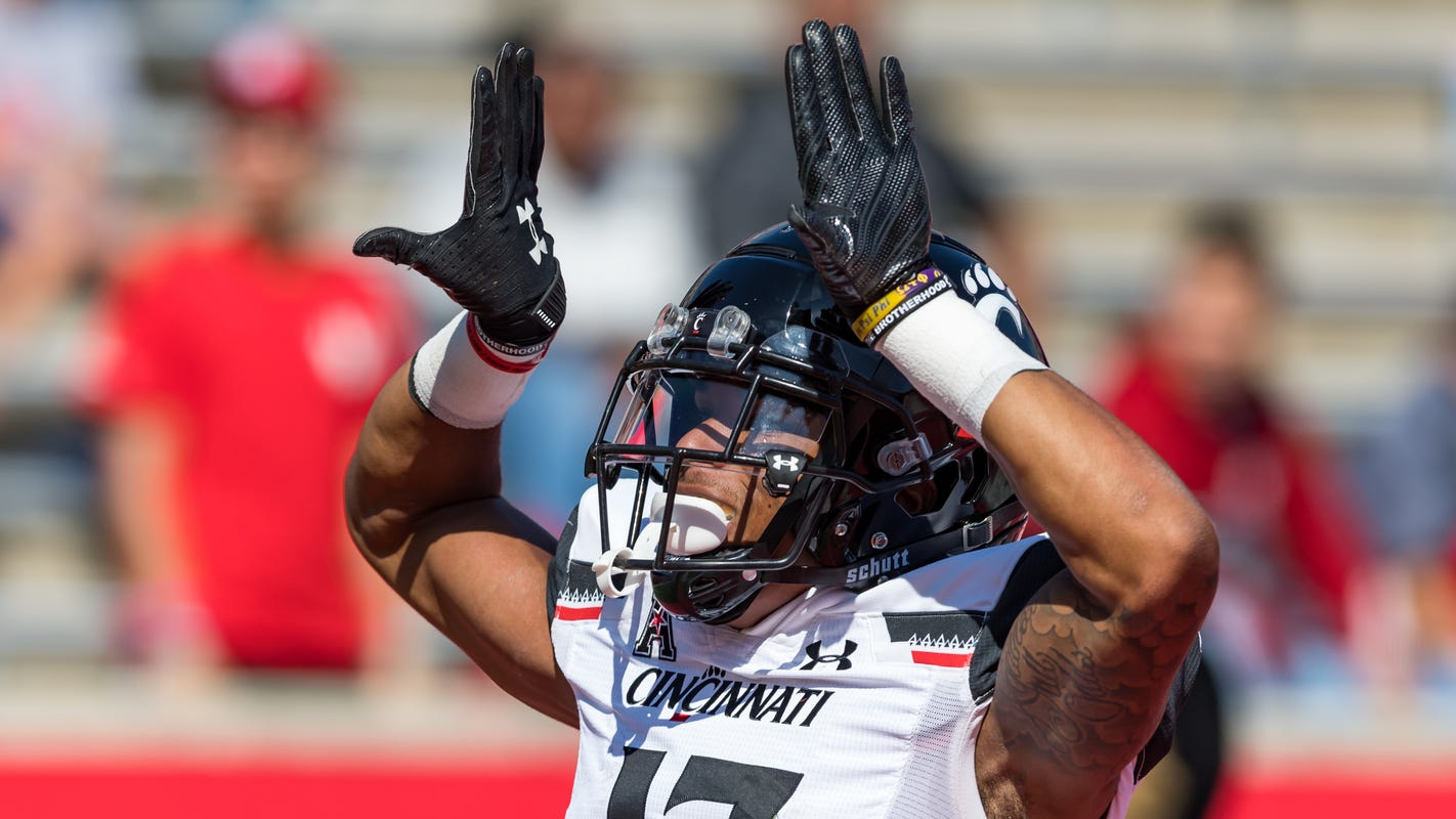 Page: No. 25 Cincinnati football validates UCF win by smothering Houston