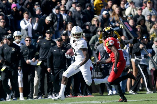Purdue wide receiver David Bell (3) runs the ball during the fourth quarter of a NCAA football game, Saturday, Oct. 12, 2019 at Ross-Ade Stadium in West Lafayette.