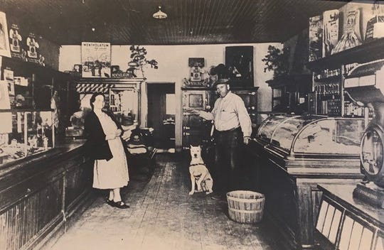 The old mercantile and post office at Tinnie welcomed travelers and locals.