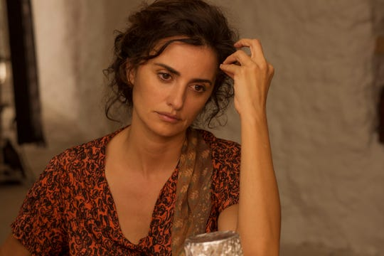 "Jacinta (Penélope Cruz) plots a better life for her son in ""Pain and Glory."""