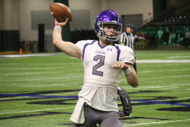 Caden Walters threw for 277 yards to lead USF past Minnesota Crookston