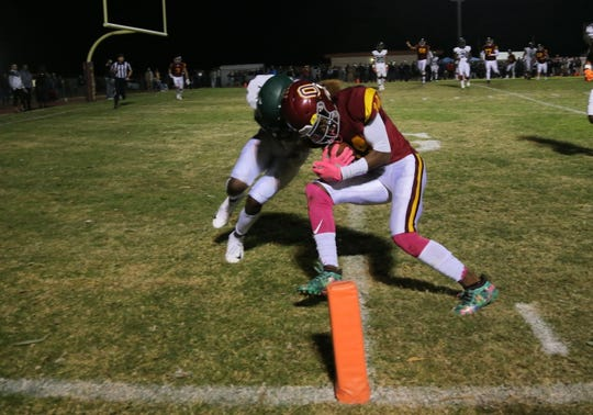 Aaron Fontes, right, and Oxnard will host St. Bonaventure in a Division 5 first-round game, while Pacifica and Nohl Williams, left, will host Mira Costa in a Division 6 first-round game.