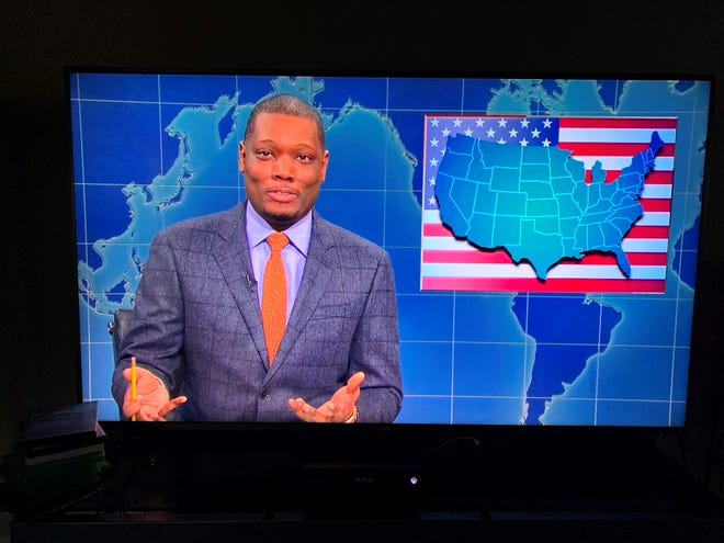 """A screenshot TV showing Michael Che from """"Weekend Update' on """"Saturday Night Live"""" Oct. 12, 2019."""