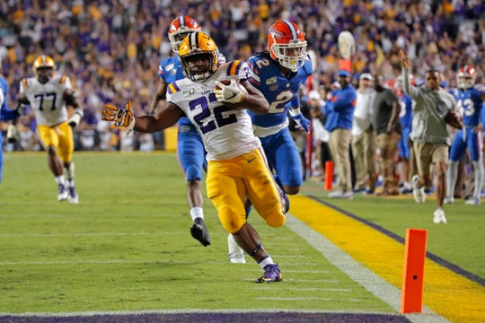 LSU running back Clyde Edwards-Helaire scores on a 57-yard touchdown run in the first half.