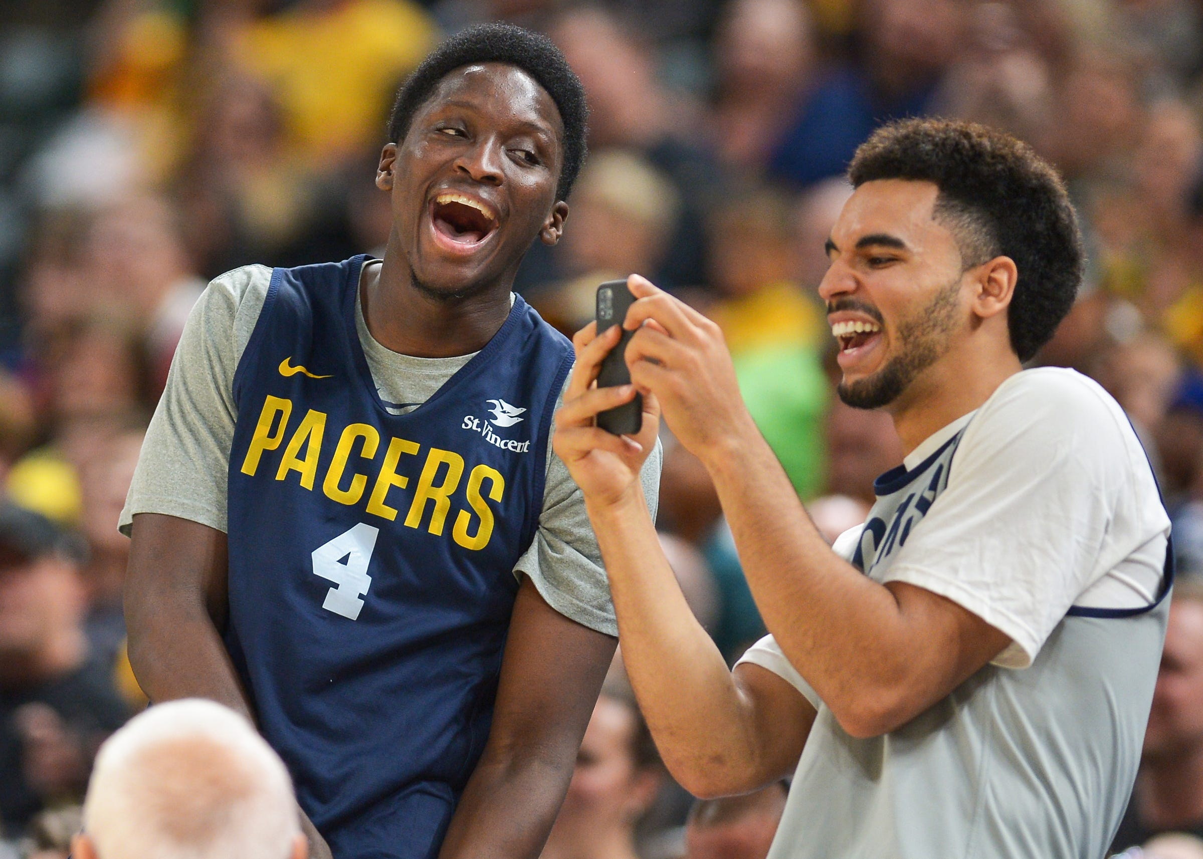 Photos: Pacers show love, have fun at FanJam