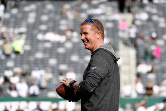 Dallas Cowboys head coach Jason Garrett looks towards fans at MetLife Stadium before the game. The New York Jets face the Dallas Cowboys in NFL Week 6 on Sunday, Oct. 13, 2019, in East Rutherford.