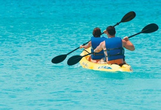 Kayaking is gratis for guests at Divi & Tamarijn Aruba all-inclusives.