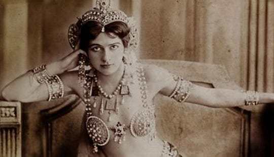 Today in History, October 15, 1917: Exotic dancer Mata Hari was executed as a spy