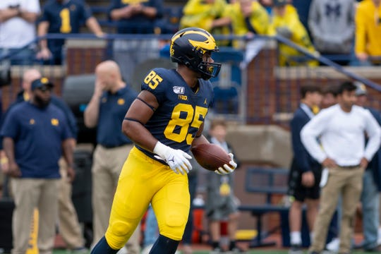 Michigan redshirt freshman tight end Mustapha Muhammad says he is entering the transfer portal.