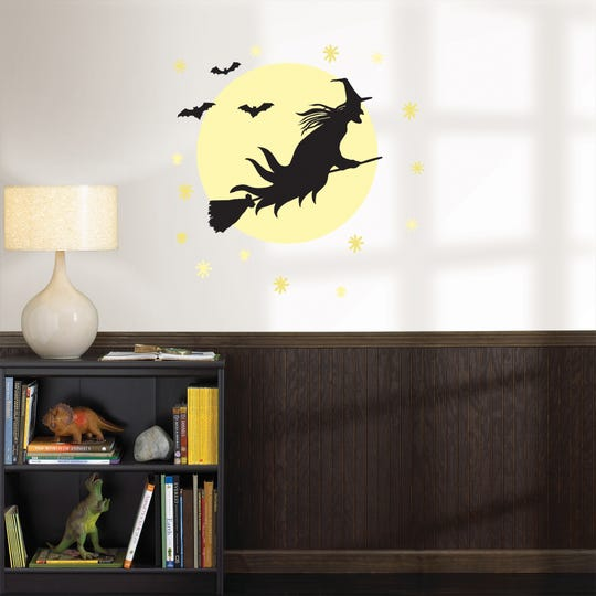 WallPops is offering Halloween choices.