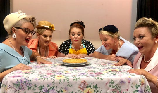 """Theatre Conspiracy's """"5 Lesbians Eating a Quiche"""""""