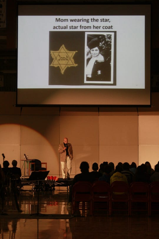 Peter Metzelaar sharing a photo of his mother and the actual star from her coat