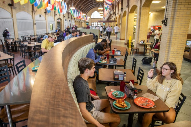 Students eat lunch at Perry Cafeteria at Mississippi State Tuesday, October 9, 2019.