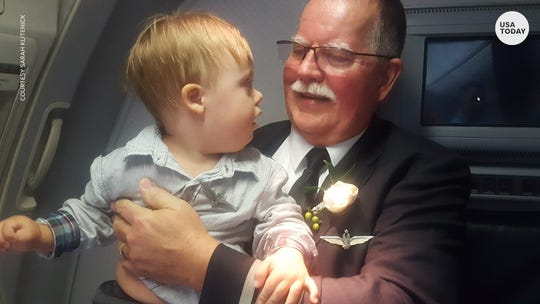 An American Airlines pilot gifted his wings to a 2-year-old passenger for this sweet reason