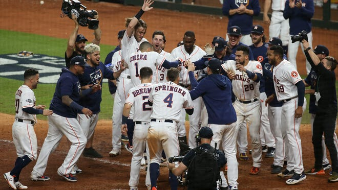 Westlake Legal Group f950185c-9014-47a4-854d-3a93c6cbe6b9-USATSI_13513227 'I don't even know what I did': Carlos Correa lost his mind while saving Astros' season
