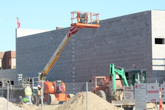 Mosser Construction continues work on the new Lutz Elementary school slated to open next fall.