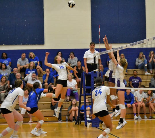 Abby Weber has the second-most kills among HSE volleyball players this season.
