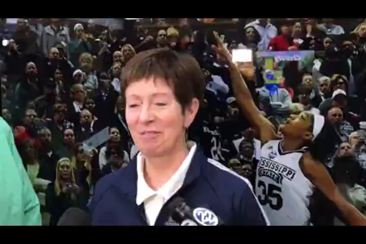 Notre Dame Hall of Fame coach Muffet McGraw on name, image, likeness