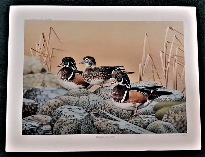 A benefit for the Capitan Public Library is set from 5:30 p.m. to 8 p.m., Oct . 19, when prints and serigraphs, many signed and numbered; ceramics and sculptures, will be sold.  Prices  range from $5 to $1,000.  This duck print is signed.