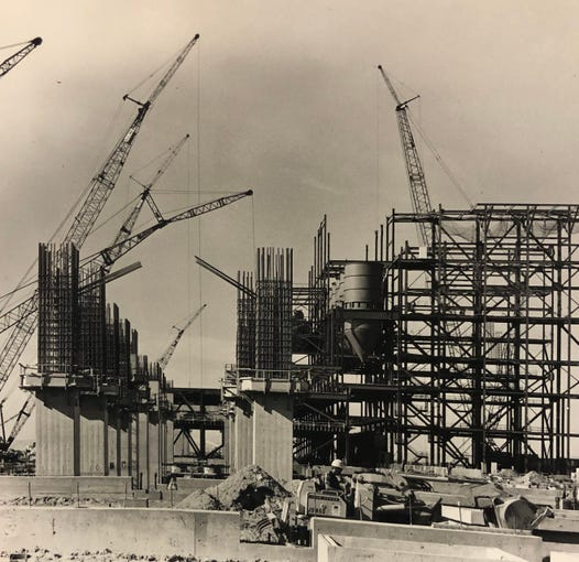The Navajo Generating Station under construction in 1971.