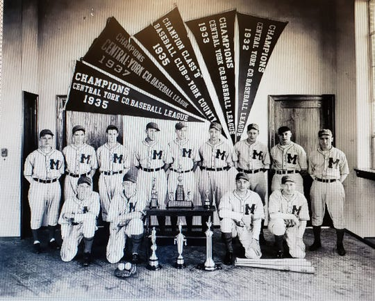 Manchester's team won many Central League pennants in the 1930s.