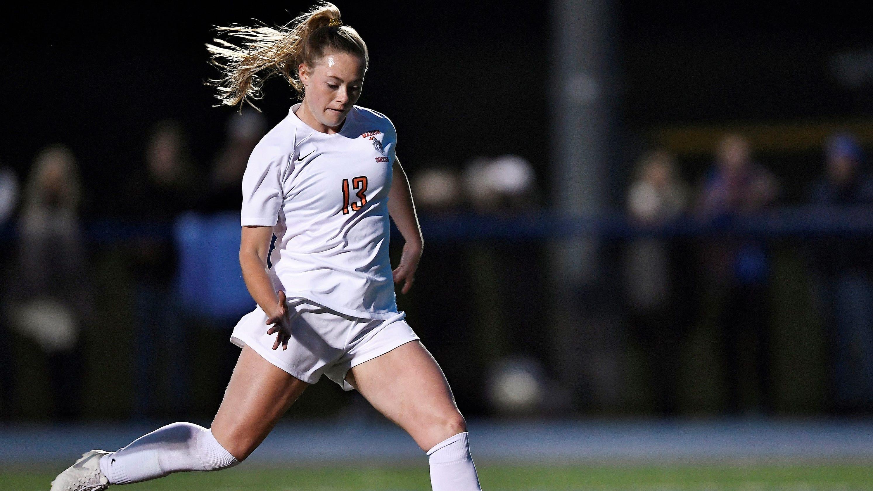 High school soccer star Chloe DeLyser's national goal-scoring record isn't official