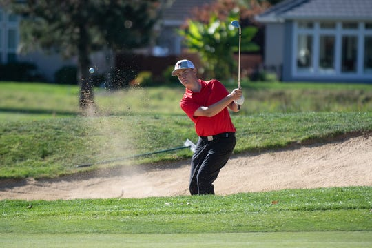 Golf: Willamette University competes at the Northwest Conference Fall Classic in McMinnville, Oregon on October 14, 2018. Pictured: Andrew Kibbee (Photo: Christopher Sabato/Willamette University)