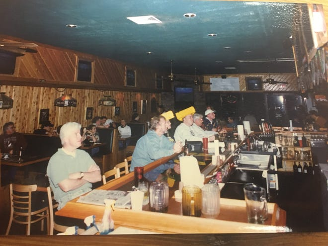 Beef 'O'Brady's restaurant on Thomasville Road in 1995.
