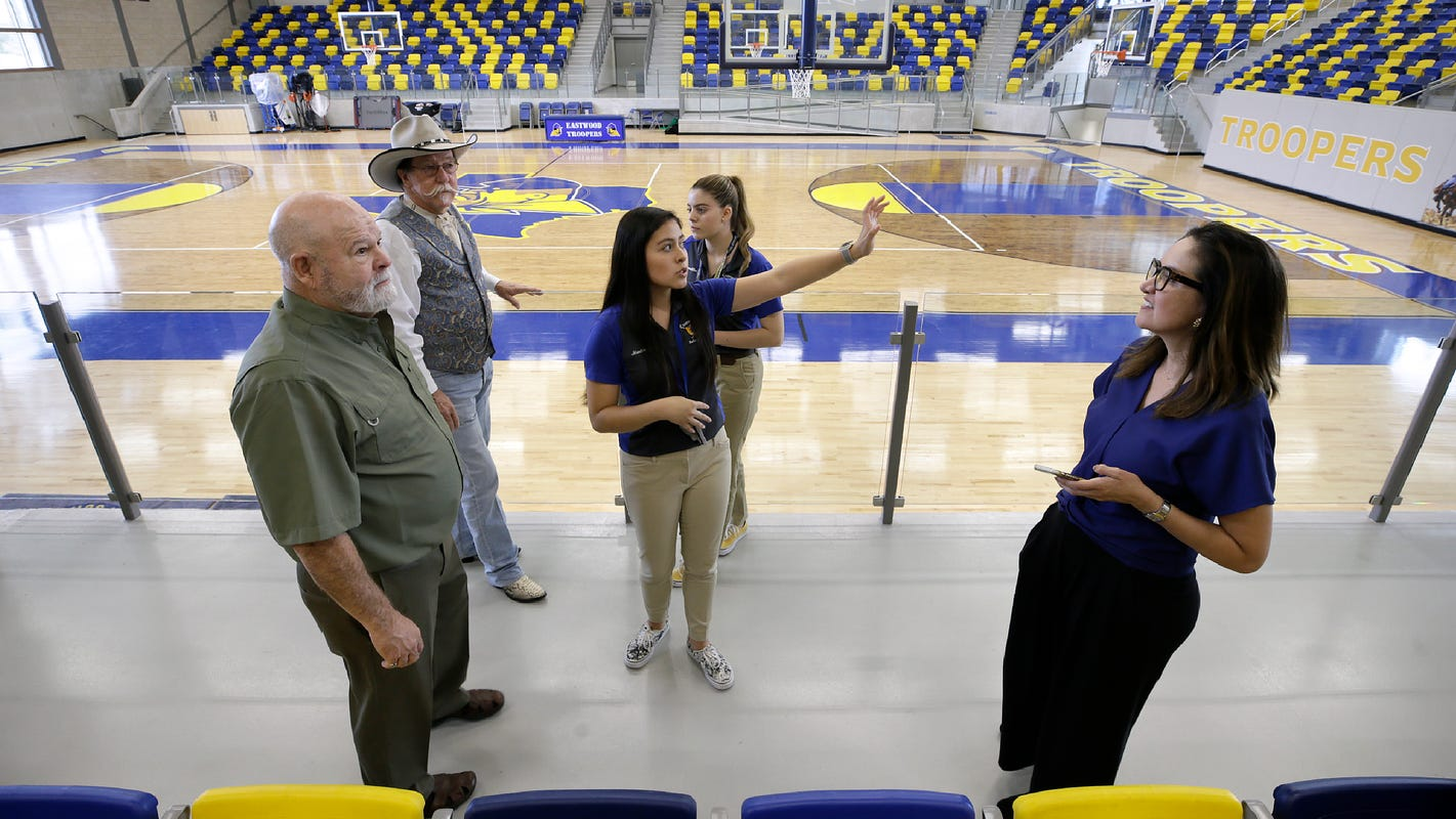 Eastwood High School students celebrate completion of campus renovation