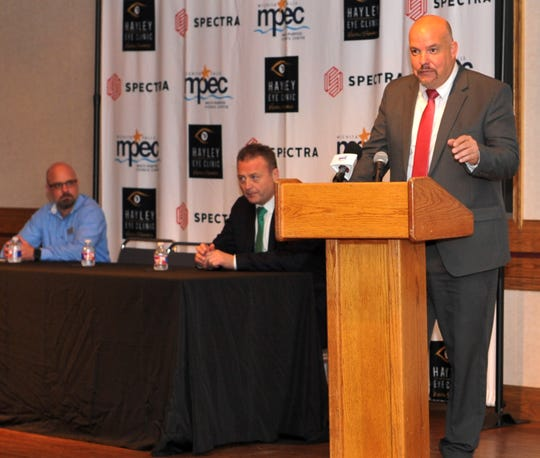 Wichita Falls Hockey president Jason Rent announced hockey will be returning to Wichita Falls, Tuesday afternoon. The yet-to-be-named team will call the Kay Yeager Colliseum home with their first season according to a news release, beginning in 2020.