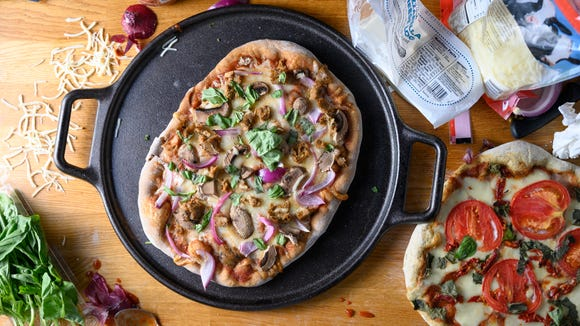 Best housewarming gifts 2019: Lodge Pro-Logic Pizza Stone