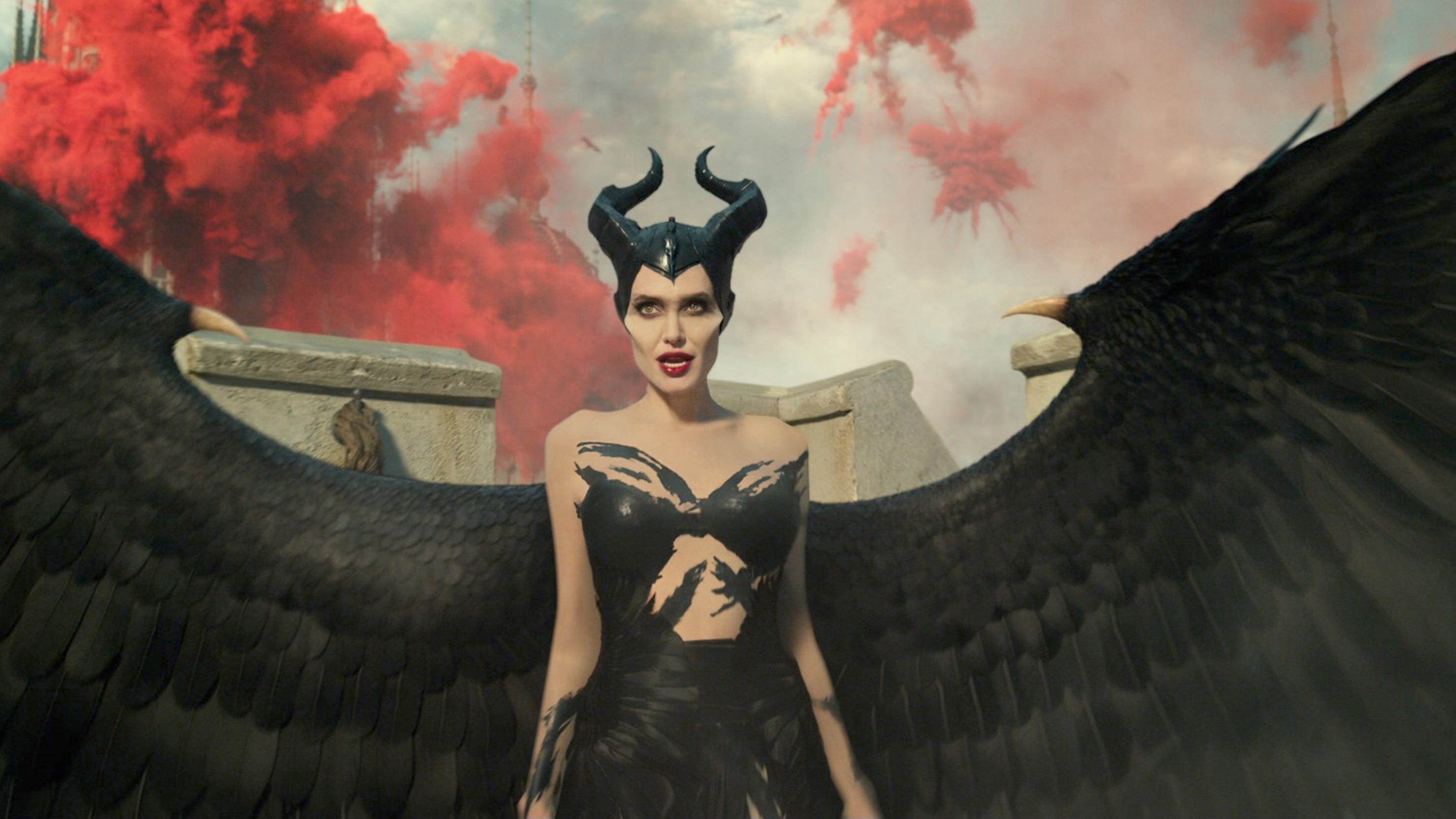 Maleficent 2 Review Angelina Jolie Returns As Mistress Of