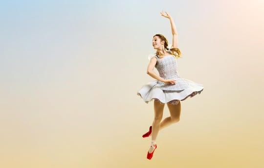Cincinnati Ballet principal dancer Melissa Gelfin as Dorothy.