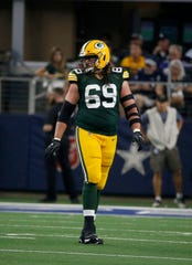 Green Bay Packers offensive tackle David Bakhtiari says he asked officials to watch where Lions defensive end Trey Flowers was placing his hands during the pass rush, before Flowers was called twice for hands-to-the-face penalties.