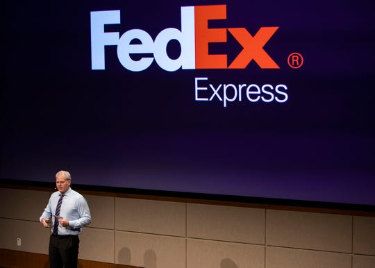 Richard Smith of FedEx Express speaks at the first-ever FedEx Logistics Academy.