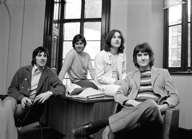 The Kinks in 1969 from left to right: Mick Avory, John Dalton, Dave Davies, Ray Davies