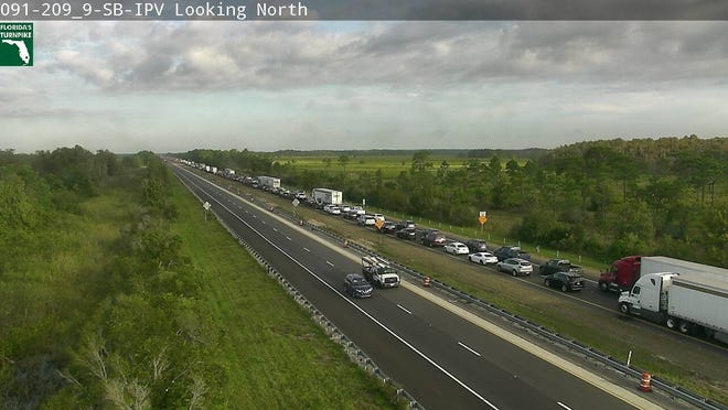 A crash with injuries is blocking northbound lanes on the Florida Turnpike.The crash was reported at 8:24 a.m. Oct. 16, 2019, at mile marker 211, 18 miles north of State Road 60.