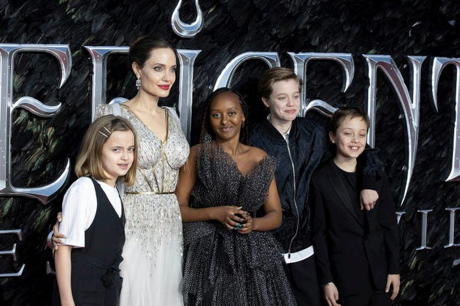 Angelina Jolie Gets Real On Mom S Cancer Battles Double